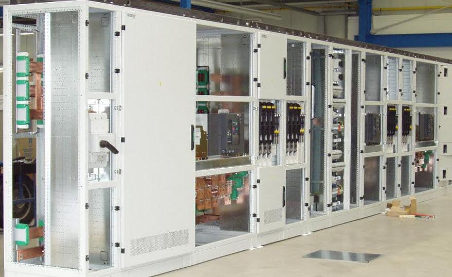 Lê Hoàng phân phối, lắp ráp tủ điện