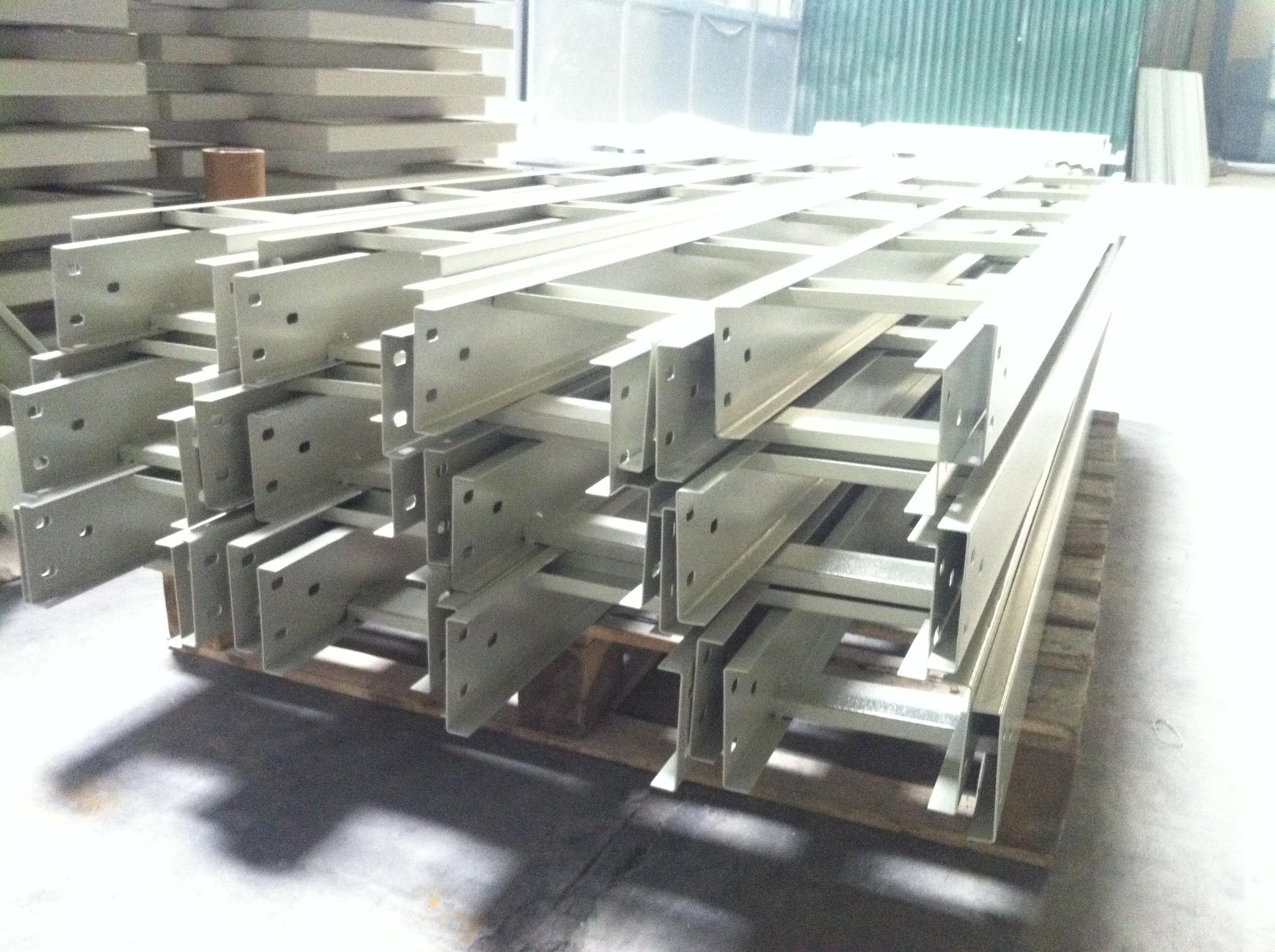 Máng cáp chất lượng có sẵn, tiến độ sản xuất nhanh
